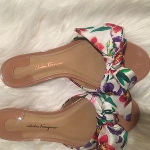 f86b363ffe15 Salvatore Ferragamo Shoes - Salvatore Ferragamo Chianni Bow Slides New Blush